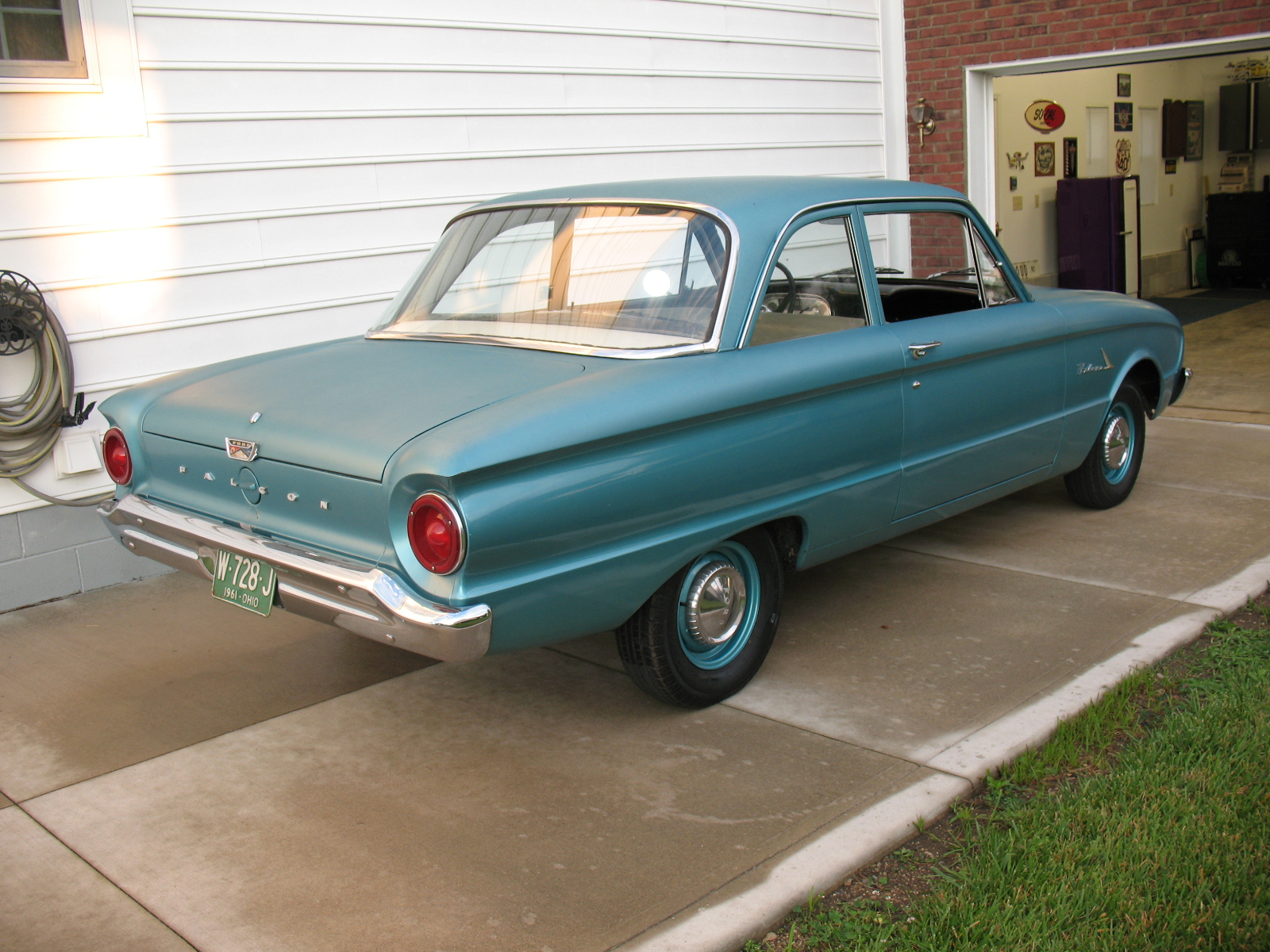 Cars 1961 ford falcon img 3297