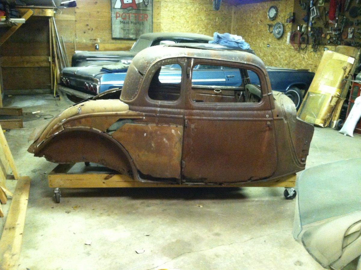 Hot rods 1933 1934 ford vicky 4 door into 2 door for 1933 ford 4 door sedan