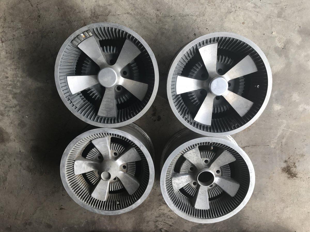 Super Rare Apache Appliance Hollywood Stingray Wheels