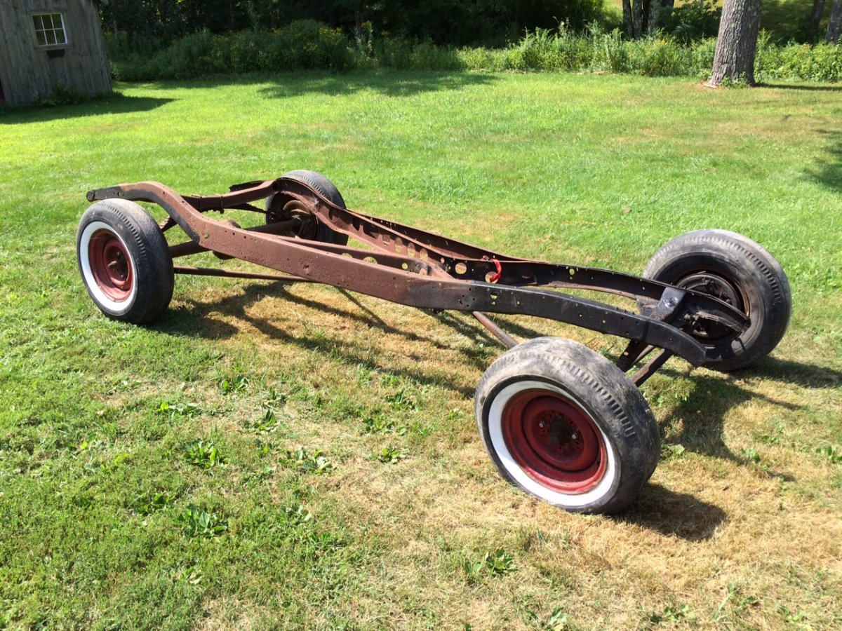 1933/34 Ford Frame / Rolling Chassis | The H.A.M.B.
