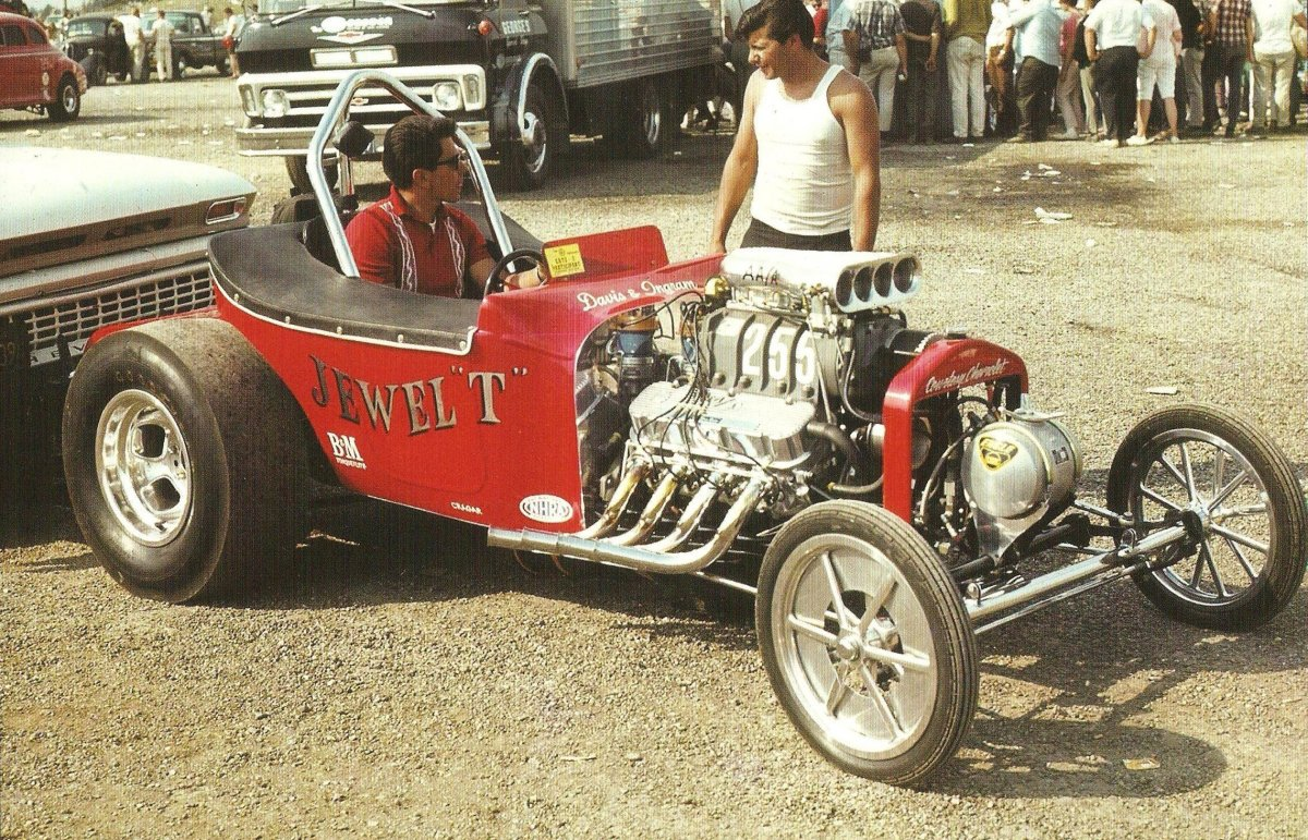 Indy 1967 (TRJ #46 pg 46 -Richard McKinstry photo) .jpg