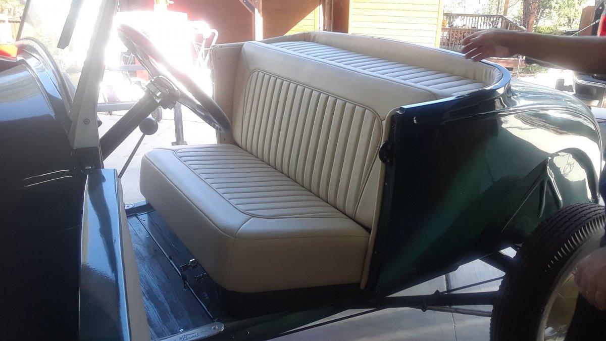 INTERIOR SEAT 2.jpg
