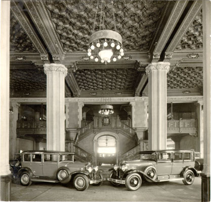 Interior_of_Don_Lee_automobile_showroom_at_Van_Ness_Avenue_and_O'Farrell_Street_1929_AAD-4656.jpg
