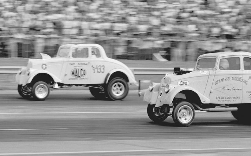 Jack Merkel goes down to the Malco gasser willys.JPG