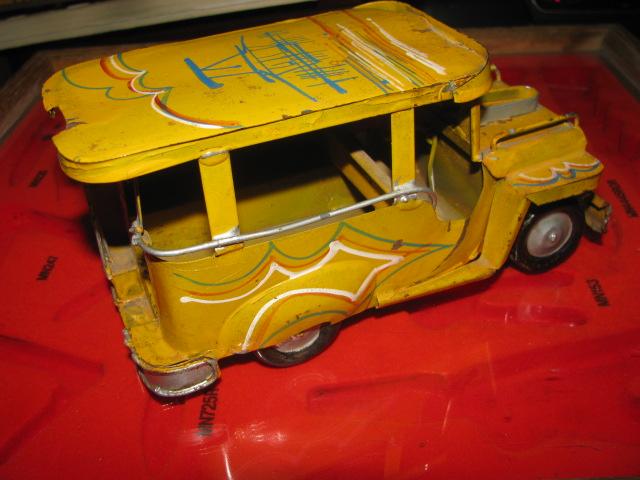 Jeepney$3 007.jpg