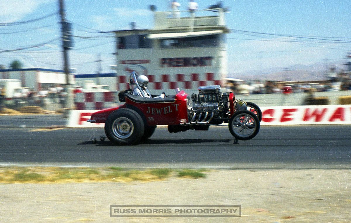 Jewel T flying off the starting line @ Fremont Raceway (by Russ Morris).jpg