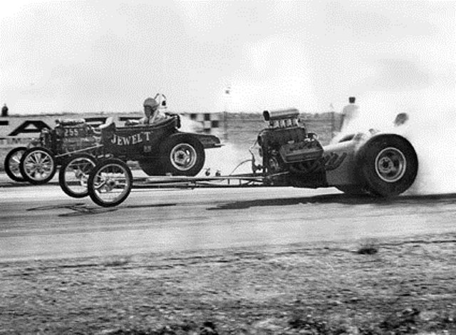Jewel T vs Ron Love  dragster @ Salinas Drag Strip (by Steve Reyes).jpg