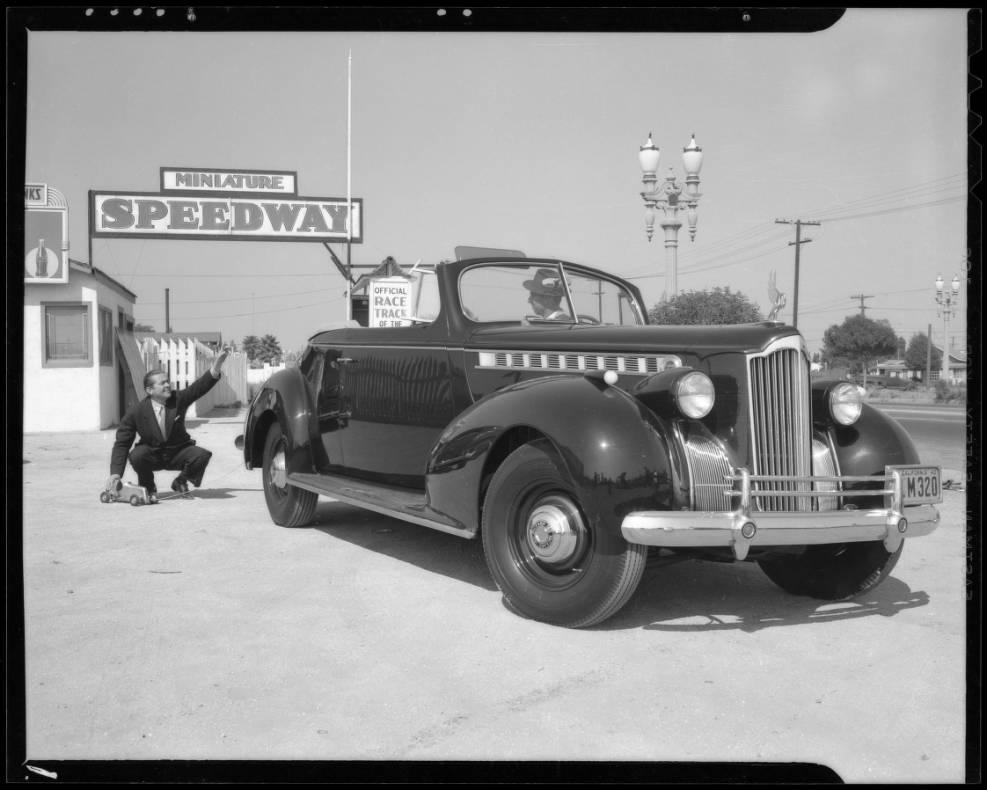 Jimmy_Dunn_and_midget_race_cars_Southern_California_1940_image_1.jpg