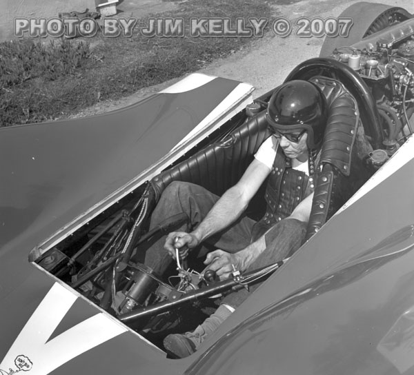 Jocko V-12 Streamliner (1) [by Jim Kelly].jpg