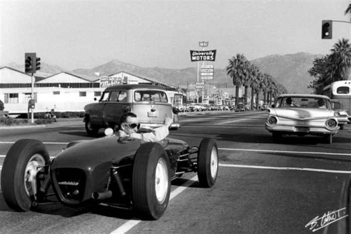 john-surtees-1960.jpg