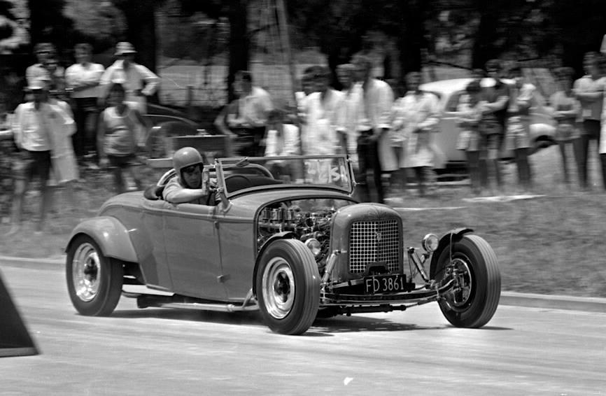 Kevin Dolores' '32 Ford roadster..jpg