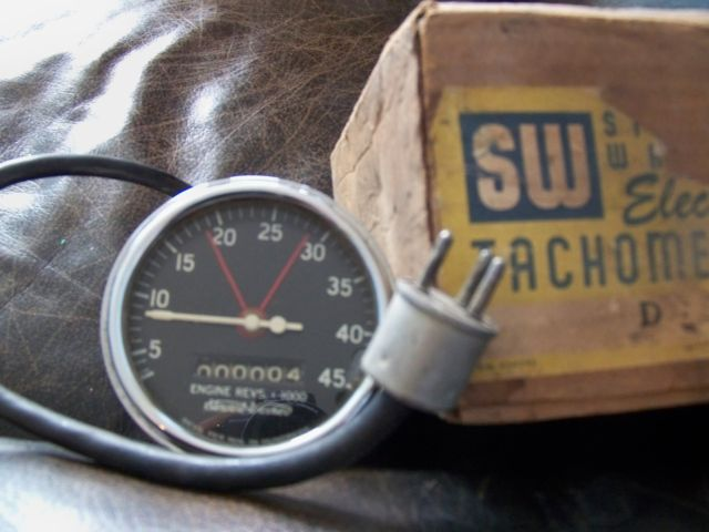 stewart warner tach wiring? the h a m b vintage stewart warner tachometer wiring diagram at panicattacktreatment.co