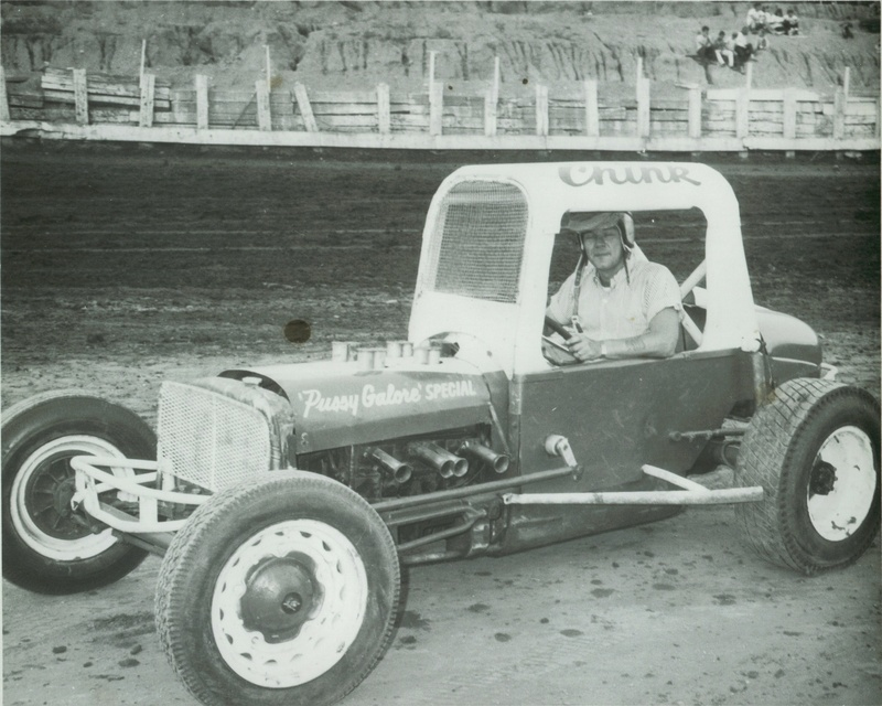 Kornewald Driver (Chink & Dorothy Strong )owners 1966 Danville Speedway.jpg
