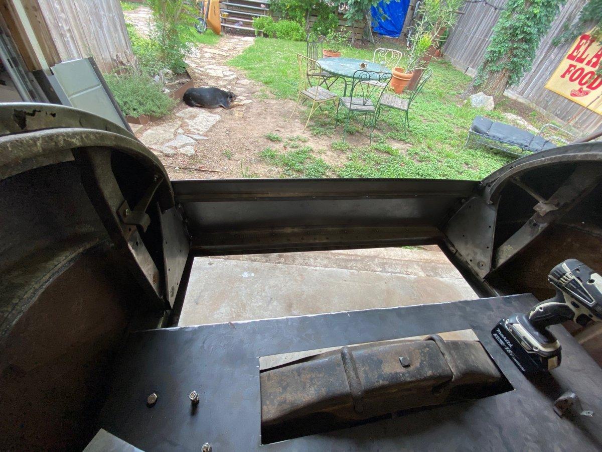 l bracket for trunk.jpg