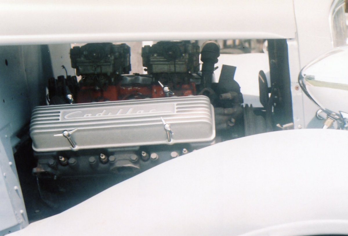 L. Caddy V8 3.jpg