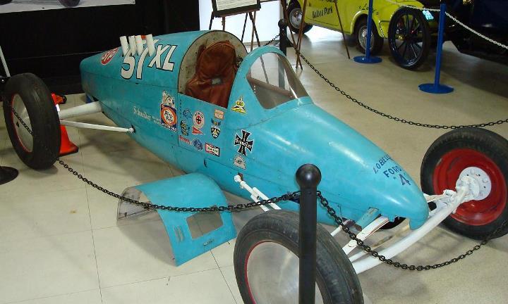 Lady Bug @ San Diego Auto Museum - February 2009 (by denis4x4).jpg