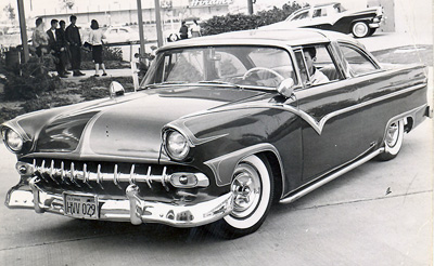 Larry-quatrone-1955-ford-victoria-custom-profile.jpg