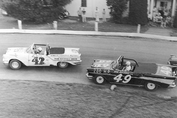 Lee-Petty-42-1957-Oldsmobile-Bob-Welborn-49-1957-Chevrolet-Bowman-Gray-Stadium-1.jpg