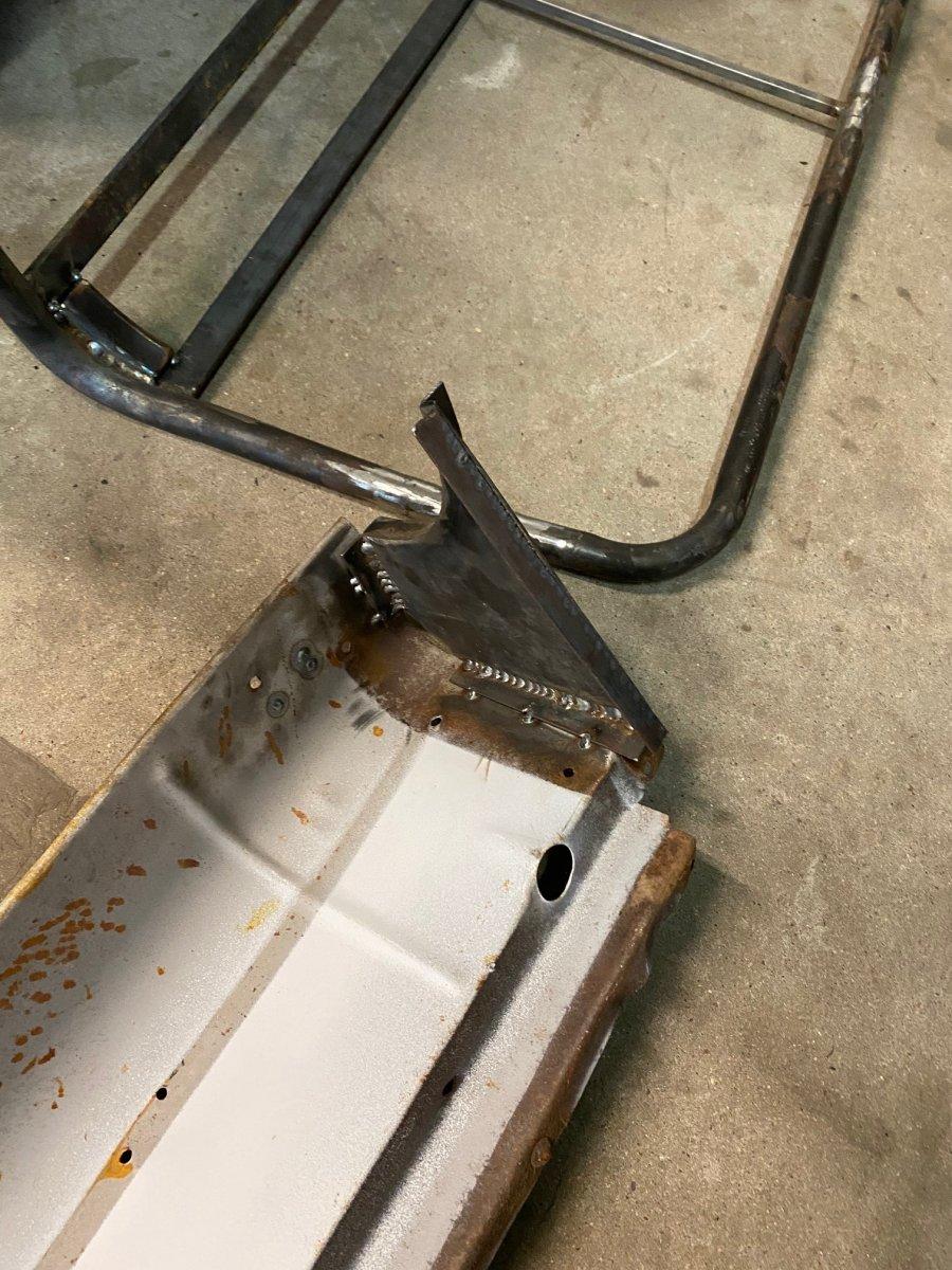 leg welded in.jpg