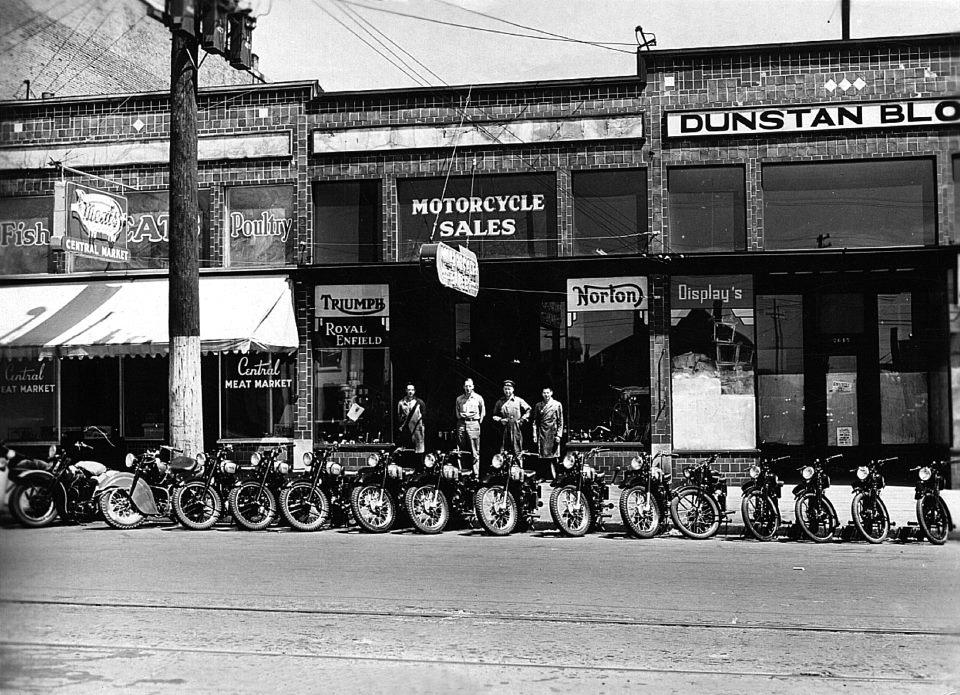 Les Blows Motorcycles 1947.jpg