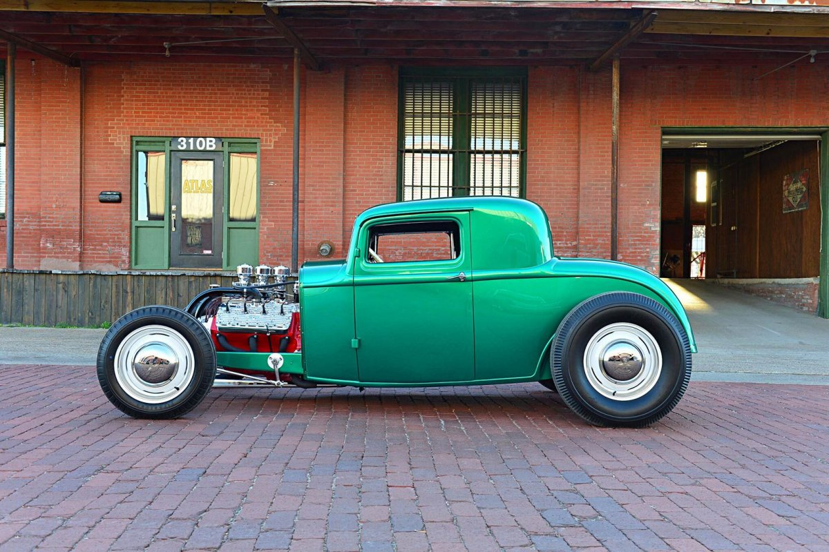 LewThompson32coupe.jpg