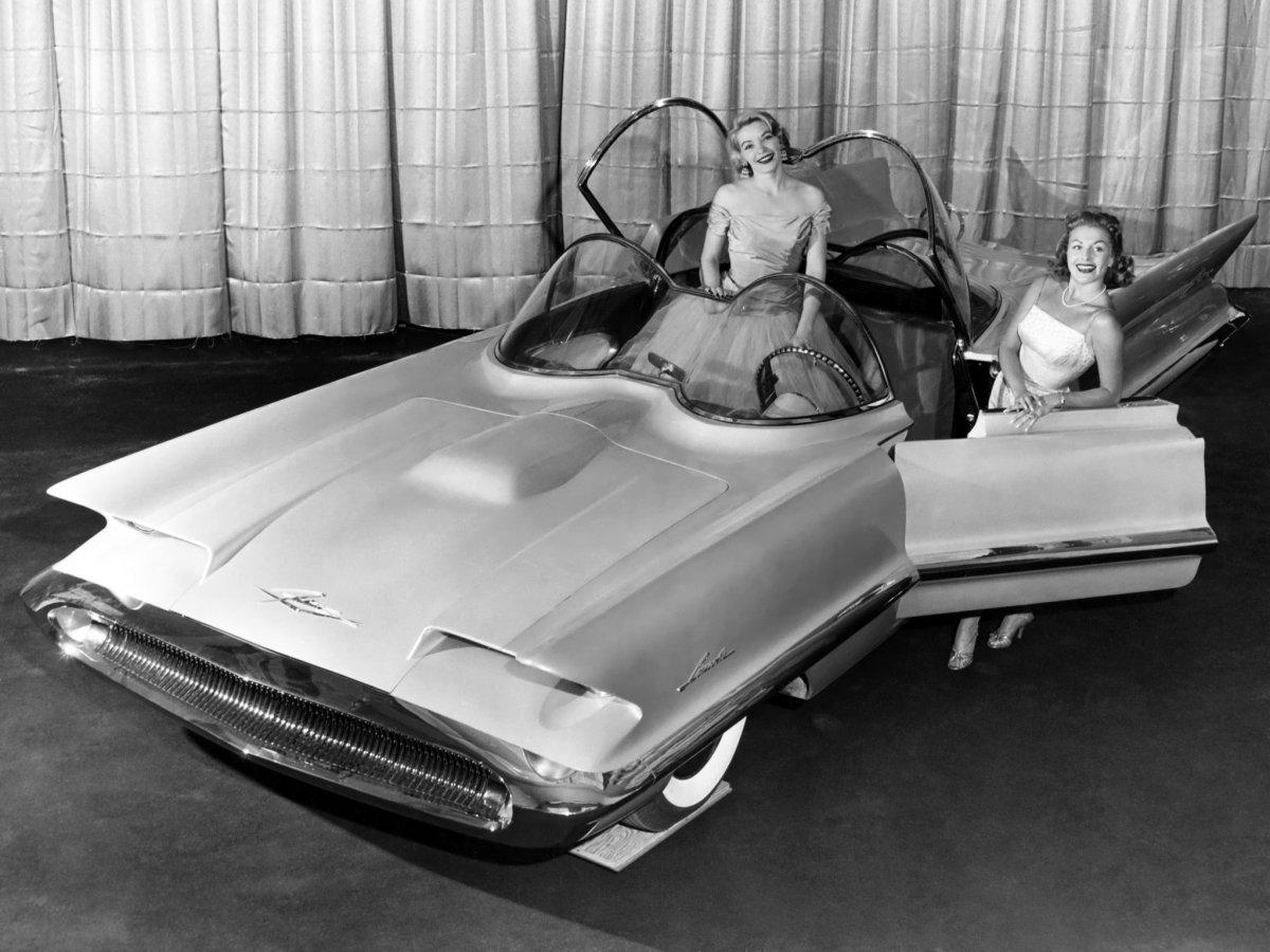 lincoln_futura_concept_car_2.jpg