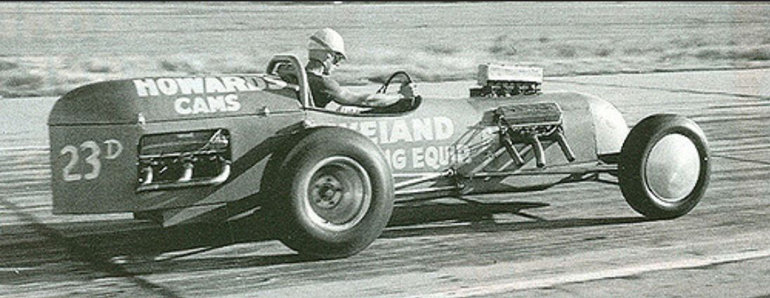 Lloyd Scott's Bustle Bomb, first dragster to exceed 150 mph..JPG