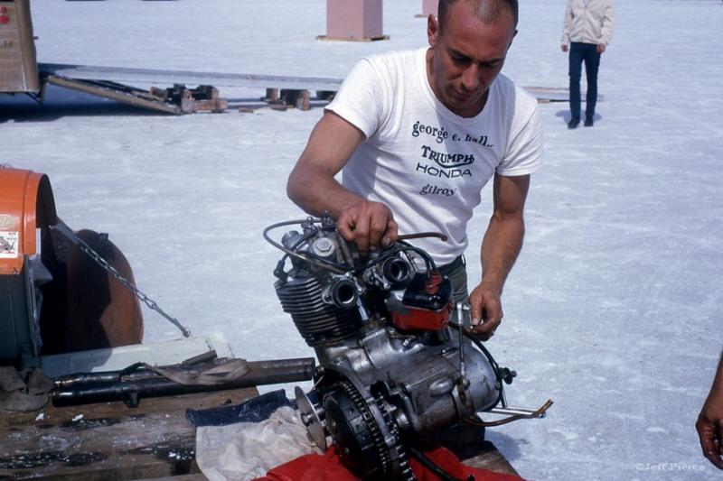 Loie Bonesio's #222 'The OrangeCrate' at Bonneville Salt Flats - 1965 (2).jpg