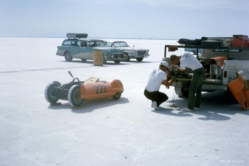 Loie Bonesio's #222 'The OrangeCrate' at Bonneville Salt Flats - 1965 (3).jpg
