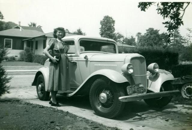 Lois Jane Laning Greene Neff. Craig Green. 1932 Ford. Pasadena.jpg