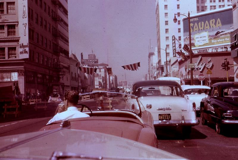 Los_Angeles_in_the_1950s1.jpg