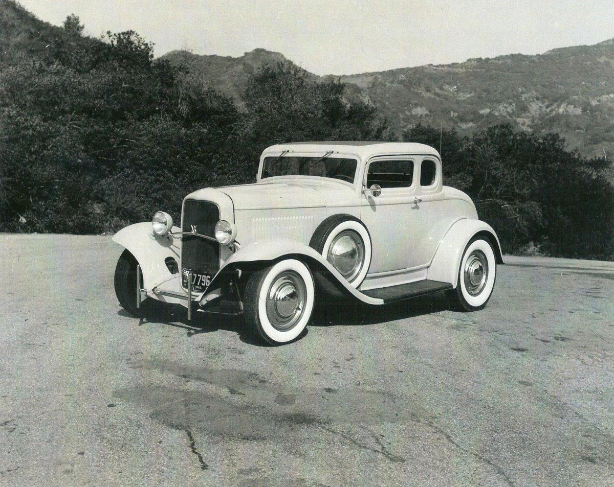Lou Bingham Coupe - B&W pic 2.jpg