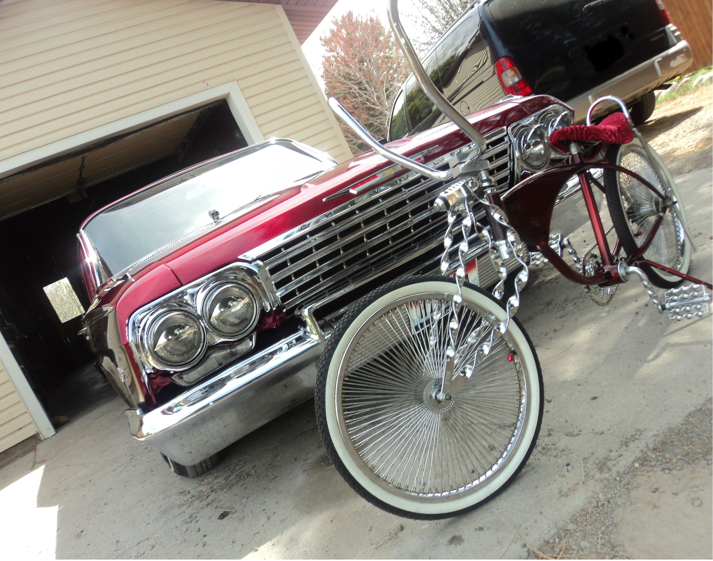 Bikes On Craigslist Las Vegas Lowrider and bike jpg