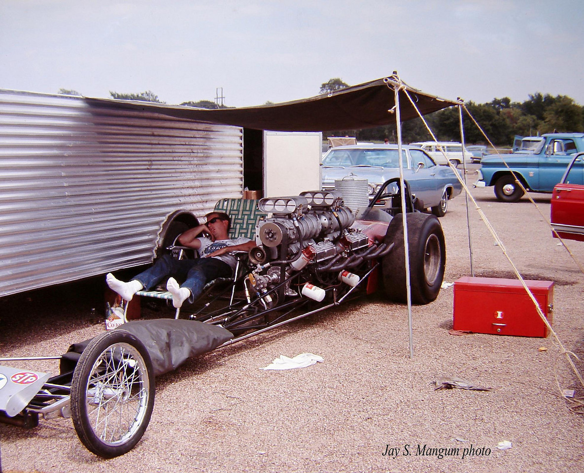 LUnknown%20dragster,%20Sept.1967,%20Green%20Valley%20Nationals,%20dual%20engine%20LOGO%201-X2[1].jpg