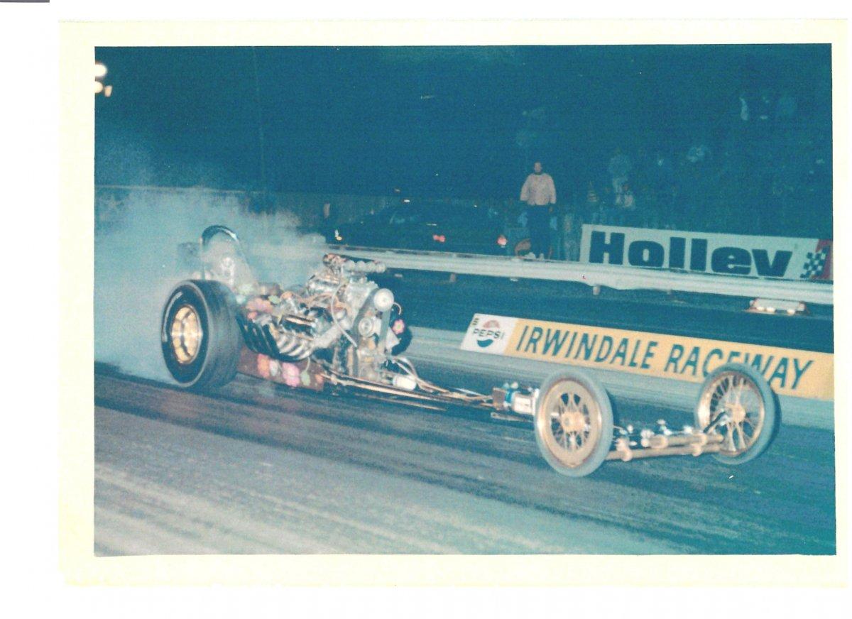 M&L gold car 11 Irwindale 1969.jpg