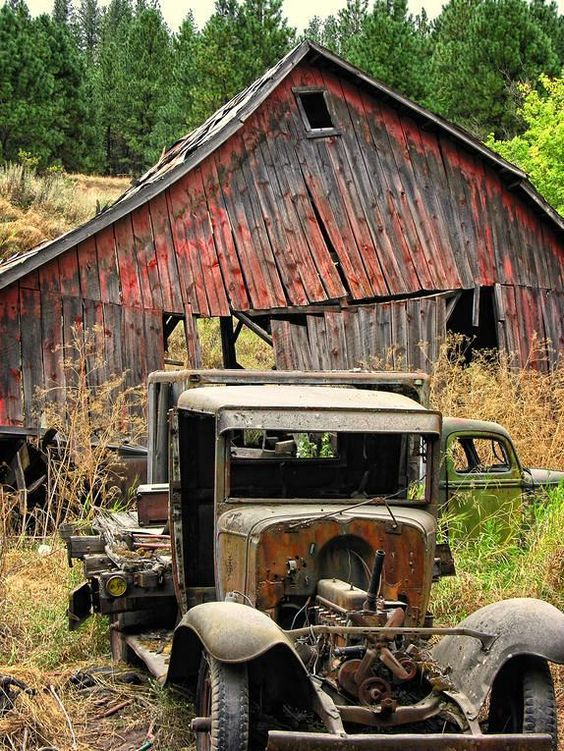 mail-pouch-barn-and-old-cars-paul-ward.jpg