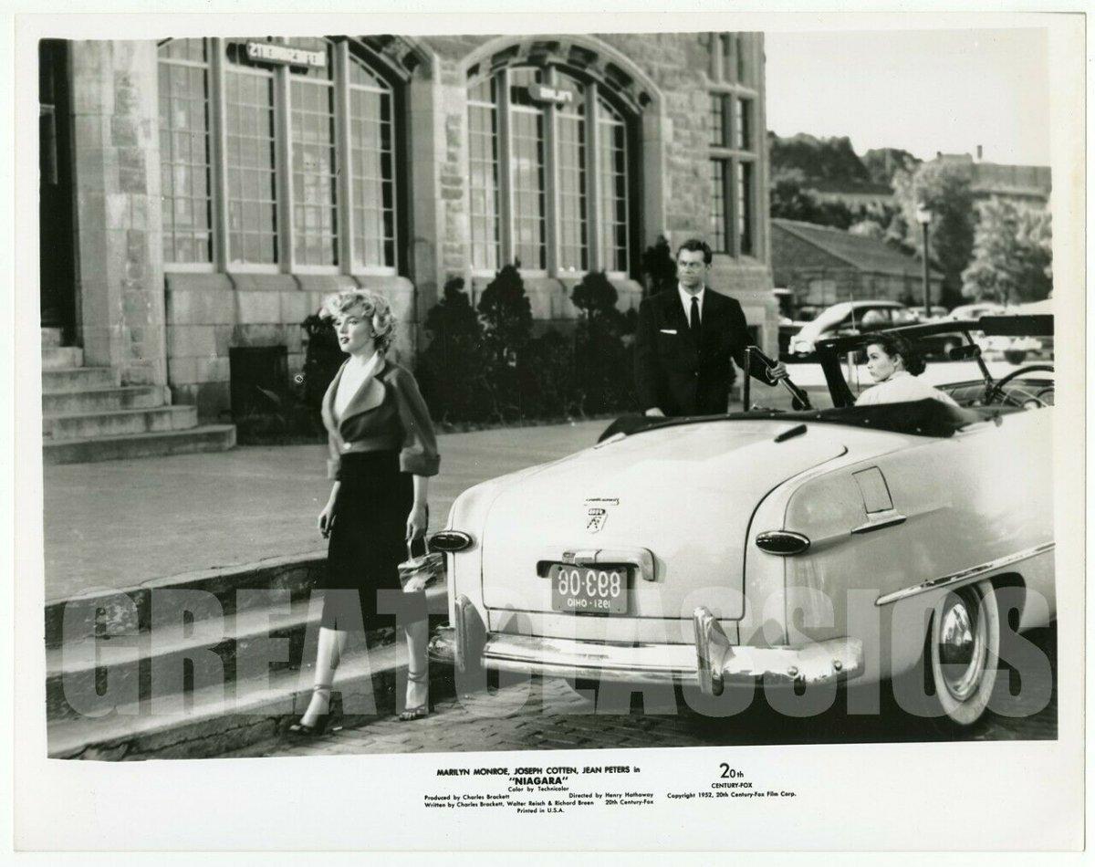 Marilyn-Monroe-Jean-Peters-Casey-Adams-Niagara-1953.jpg