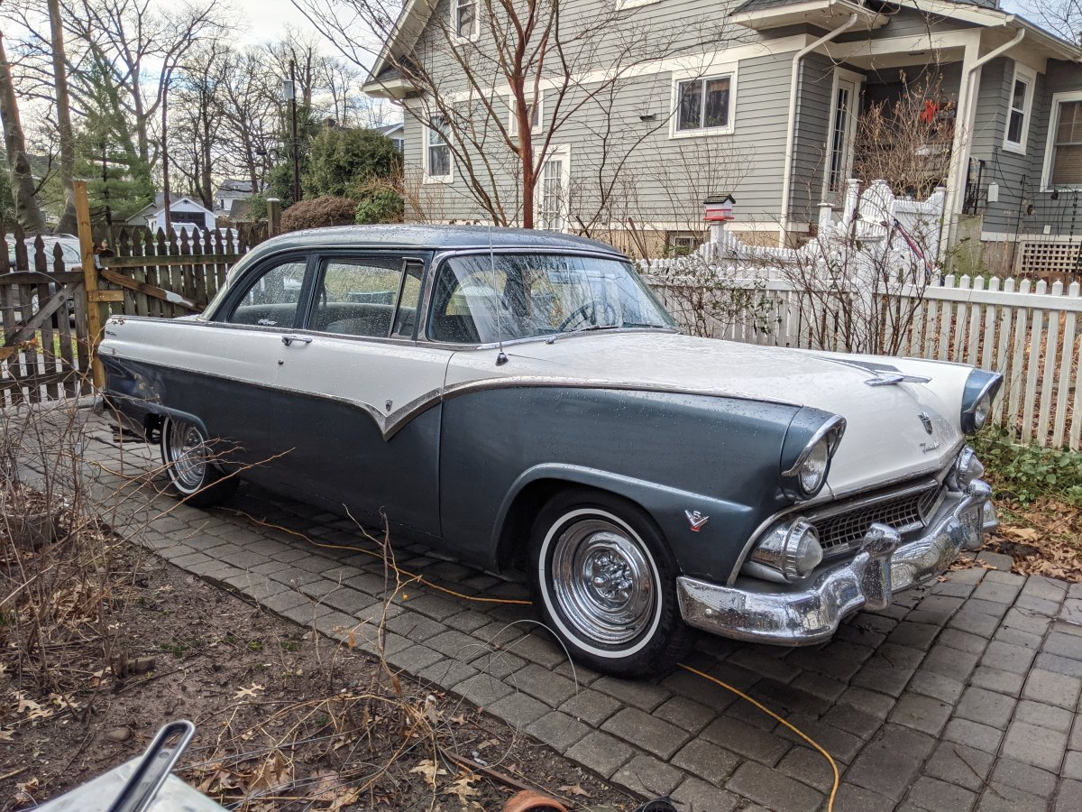 Mark Wellnitz 1955 Ford Fairlane.jpg
