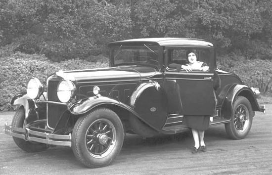 Marmon-Big-Eight-1930-2.jpg