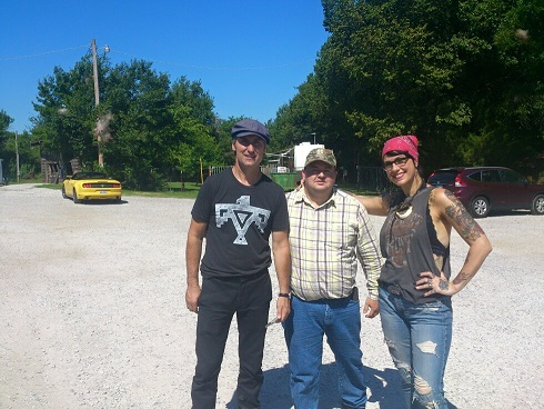 me and american pickers resized.jpg