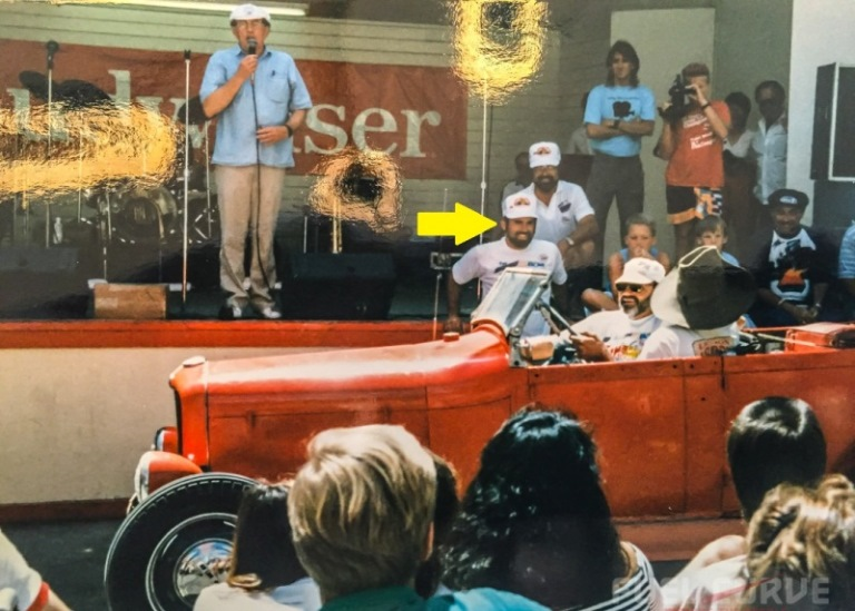 Medley presenting Stroker McGurk Award @ the 1st GG WCN in '87.jpg