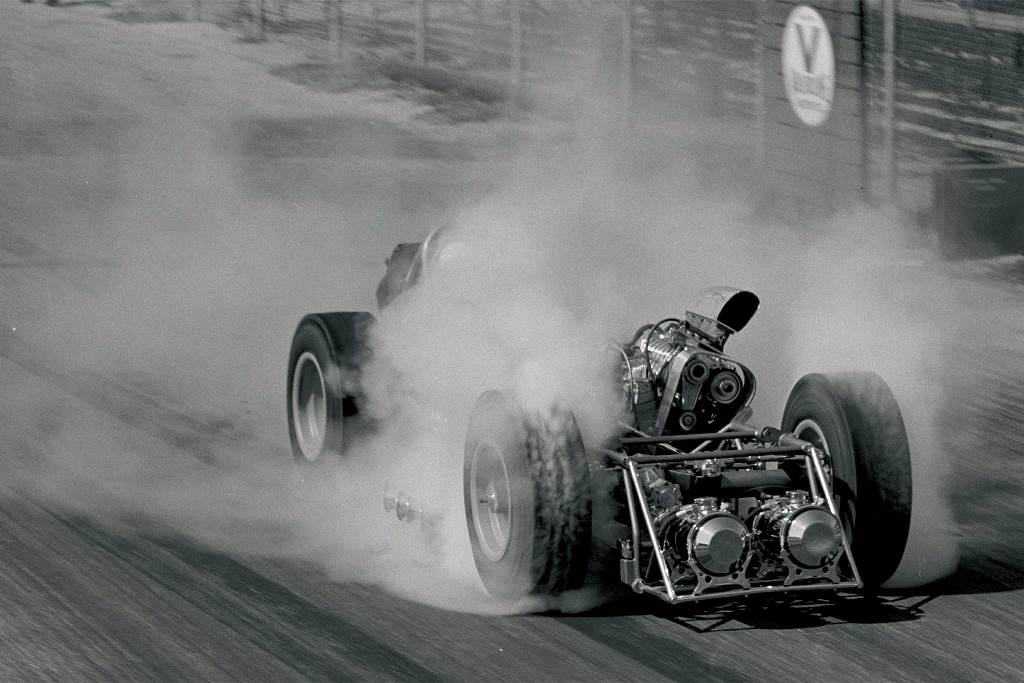 Mickey Thompson's Twin Blown Pontiac 4WD Dragster at LIONS in 1961.jpg