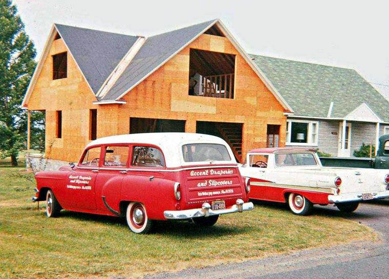 Mid-1950s-Chevrolet-Wagon-and-Ford-Ranchero-760x545.jpg