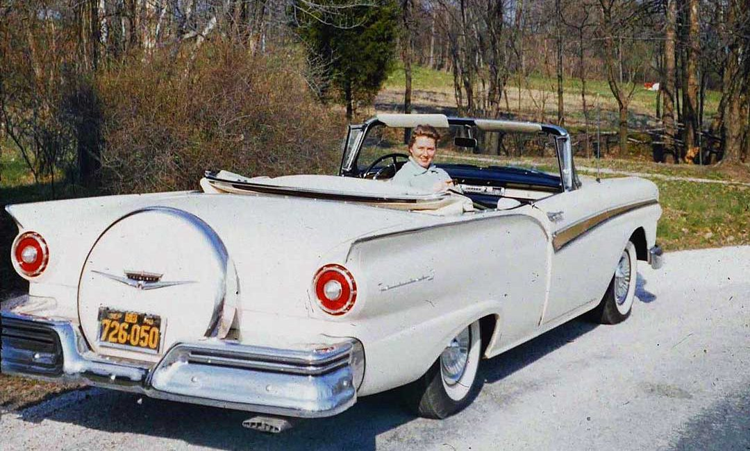 Mid-1950s-Ford-convertible-1080x650.jpg