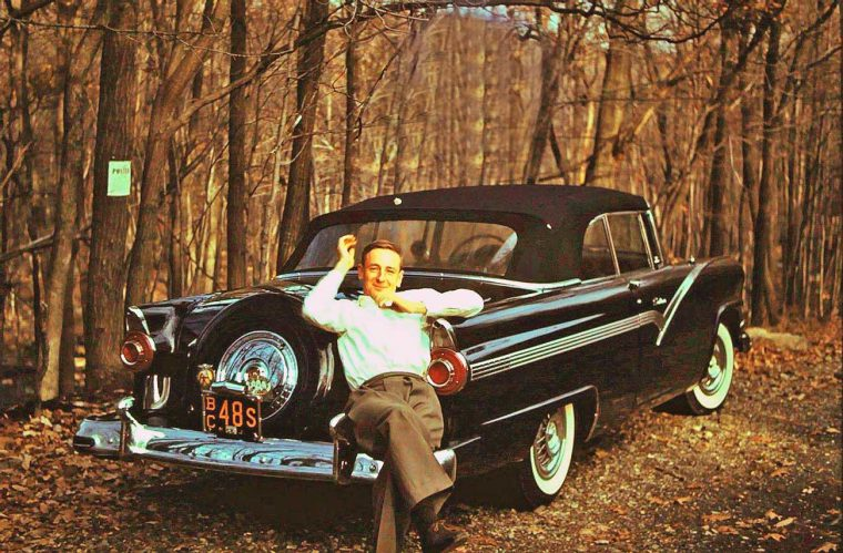 Mid-1950s-Ford-Convertible-with-Continental-Kit-760x499.jpg