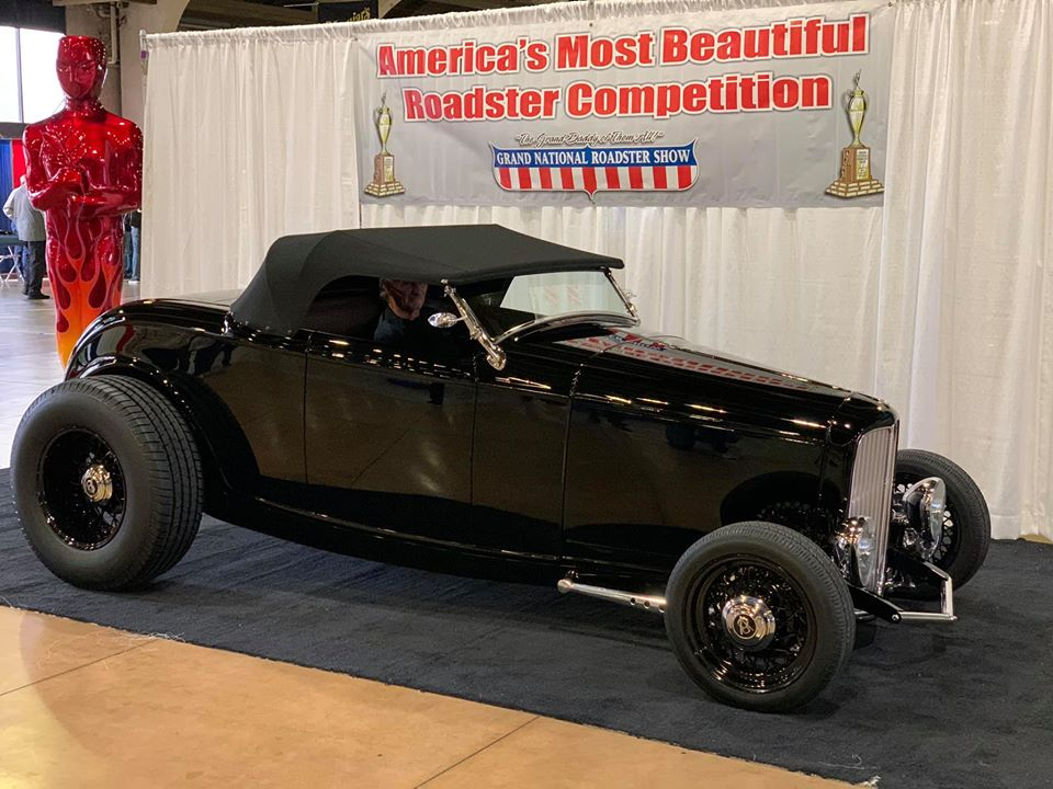 Mike Dwight's 1932 Ford Roadster.jpg