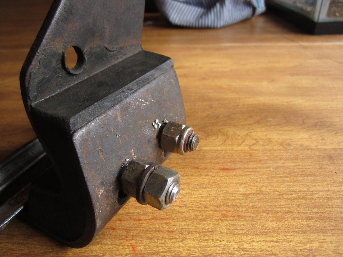 modded tri five rear mount 009.JPG