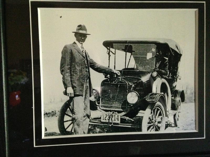 Model T and family.jpg