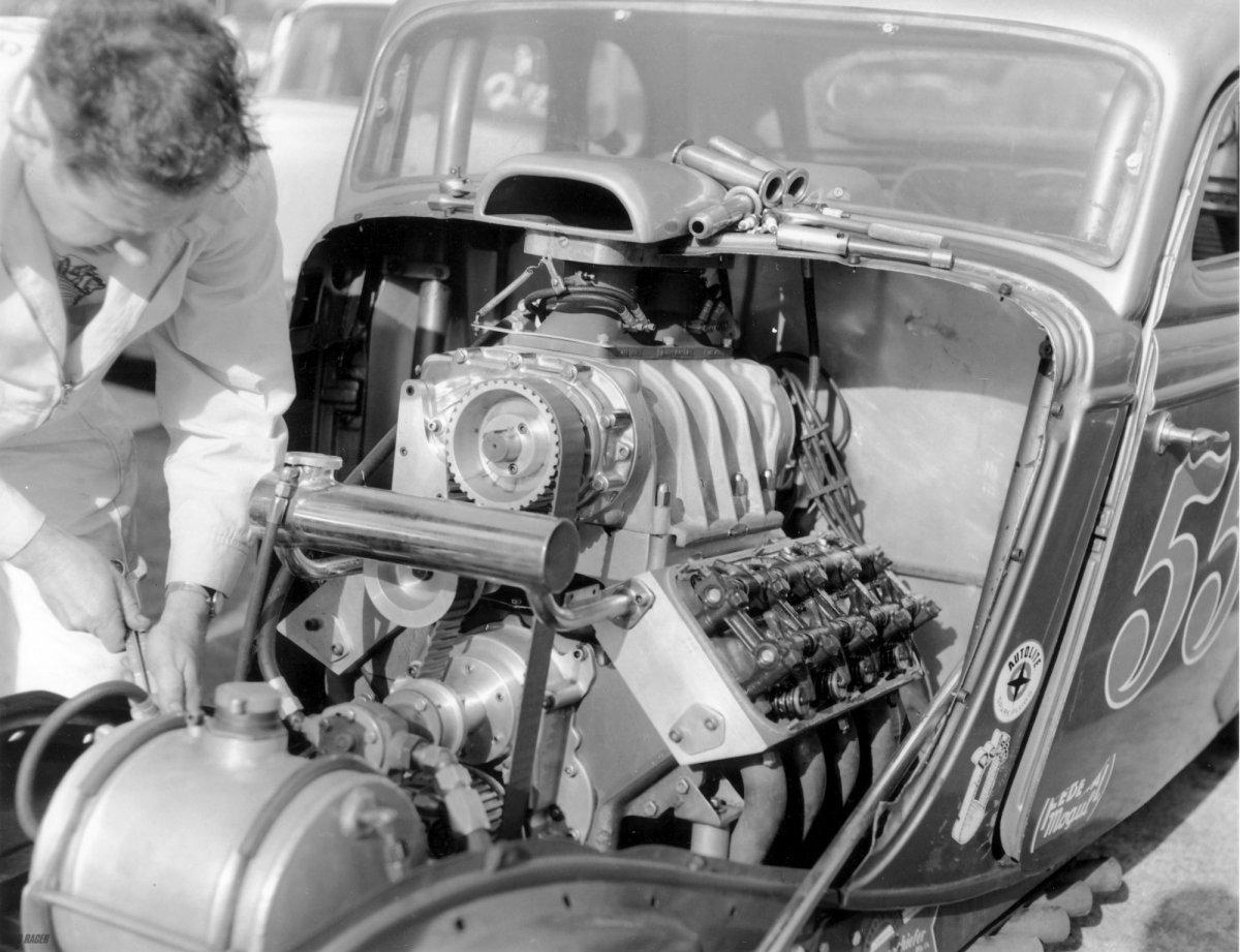 Mooneyham & Sharps 390 Hemi powered their 554 Fuel Coupe.jpg
