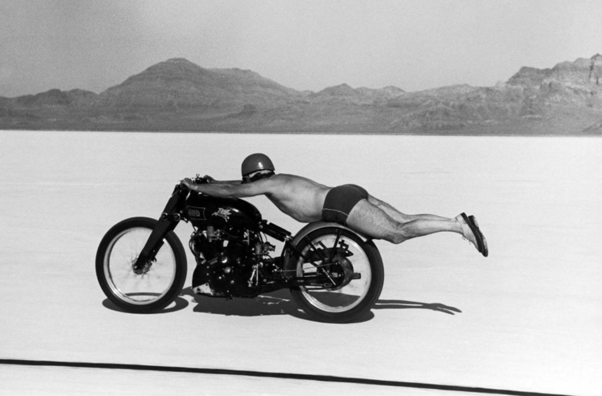 Motorcycle 1948 Rollie Free on Vincent Black Shadow setting Bonneville record.JPG